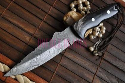 CUSTOM DAMASCUS HANDMADE HUTING KNIFE