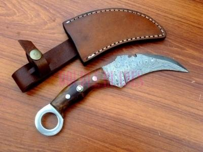 Damascus Steel Karambit Hunting Knife Wood Handle